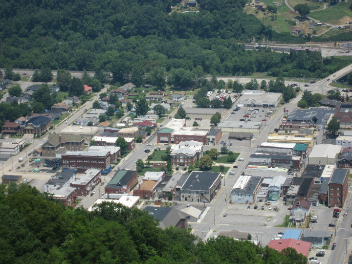 Pineville, KY Population: 1732