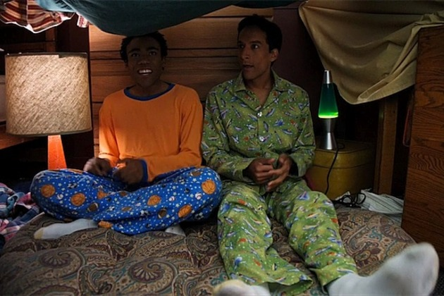 community-troy-abed-blanket-fort_featured_photo_gallery